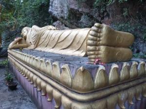 Un dos milleiros de Budas que te podes atopar en calquera dos milleiros de templos de Luang Prabang. Éste, deitado.